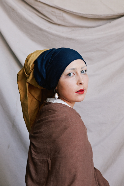 Girl with a Pearl Earring Halloween costume tutorial