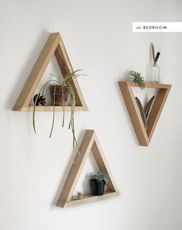 Diy triangle shelf - Triangular bookshelf ...