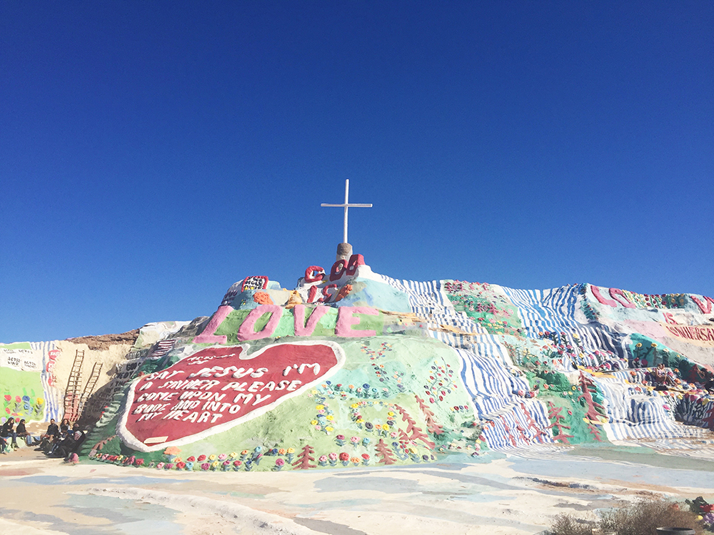 salvation-mountain-the-house-that-lars-built-20