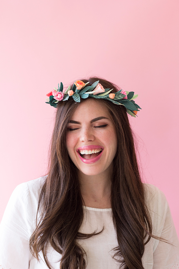 PRETTY-FLORAL-CROWN