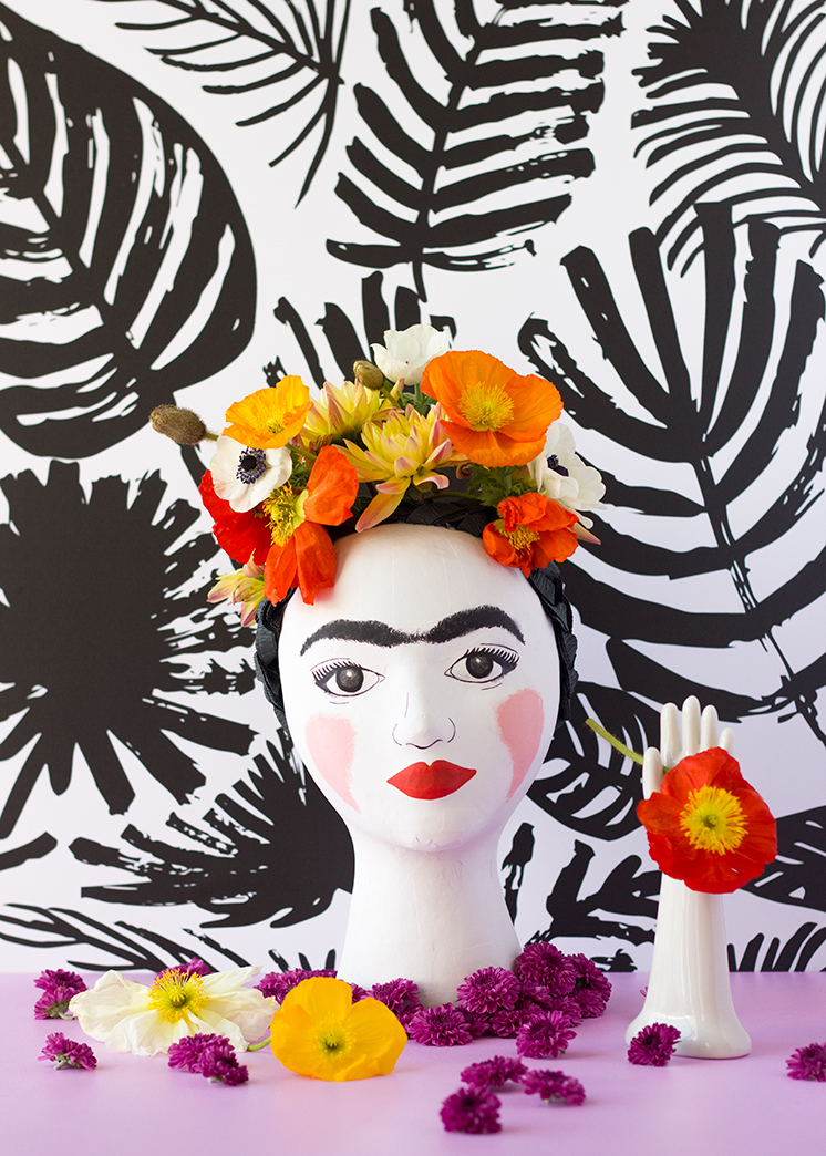 frida-kahlo-head-vase-7