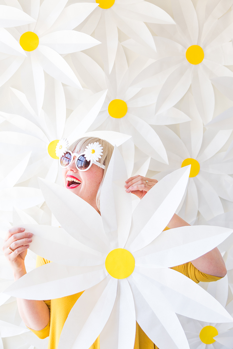 Diy Paper Daisy Backdrop And Video The House That Lars Built