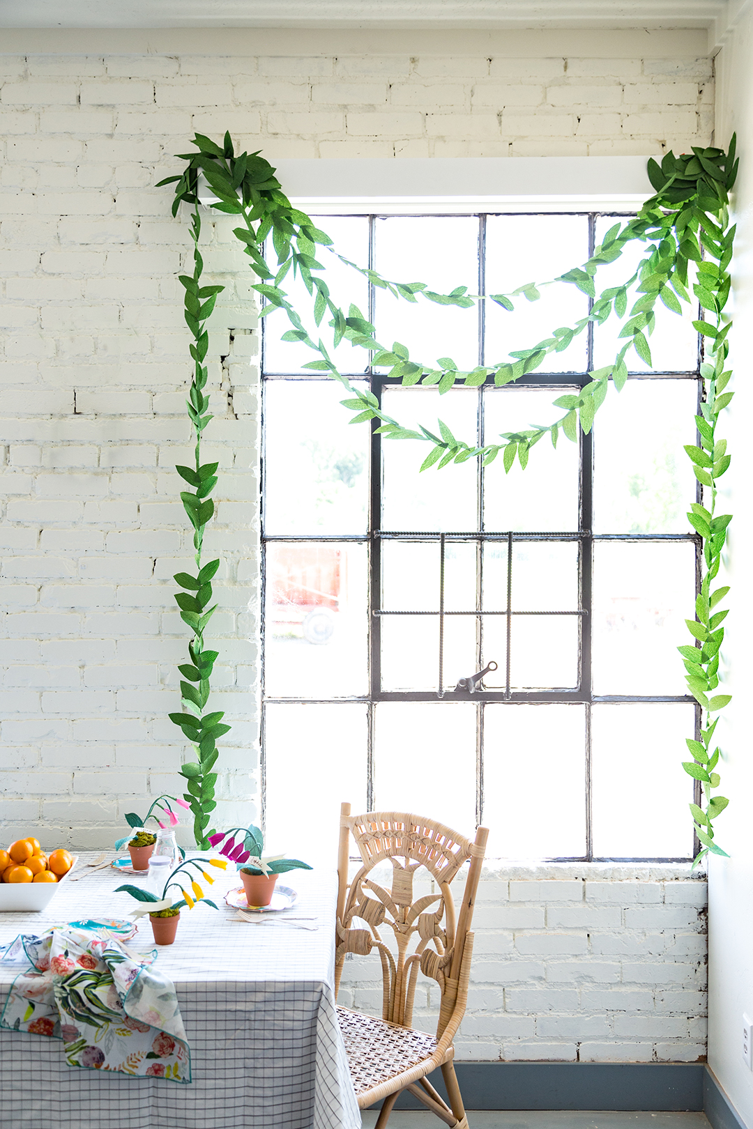 diy_paper_garland_leaf-tutorial