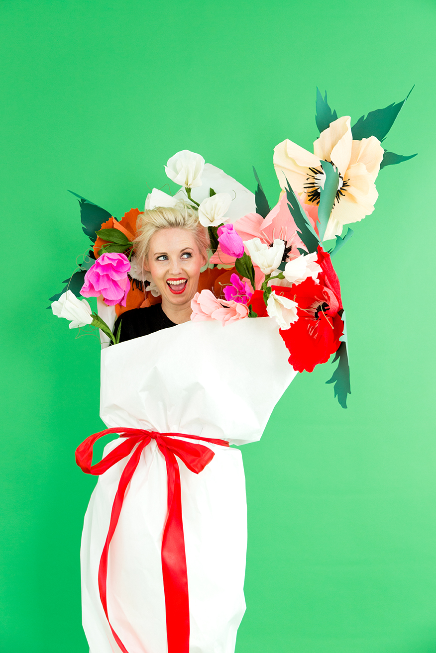 DIY paper bouquet of flower costumes