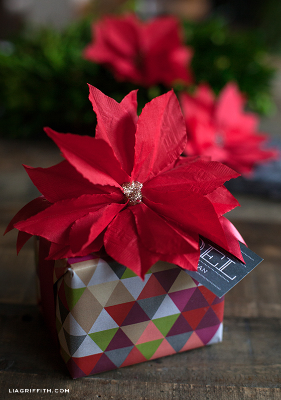 DIY Napkin Poinsettia