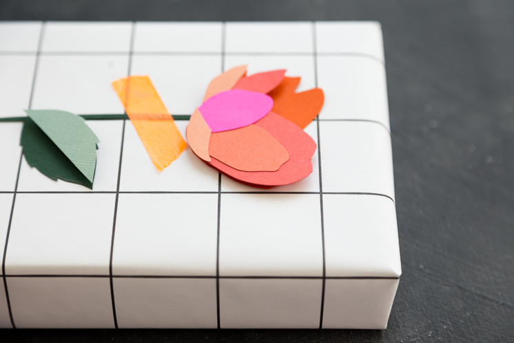 3D Paper flower gift toppers