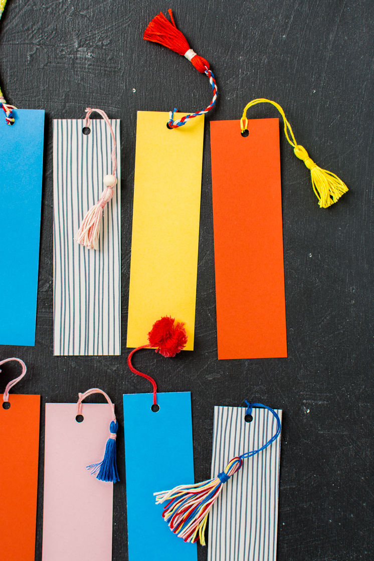 4 ways to decorate bookmarks