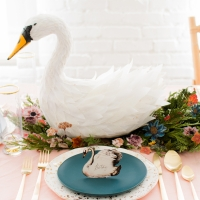 Swan a swimming tablescape-11