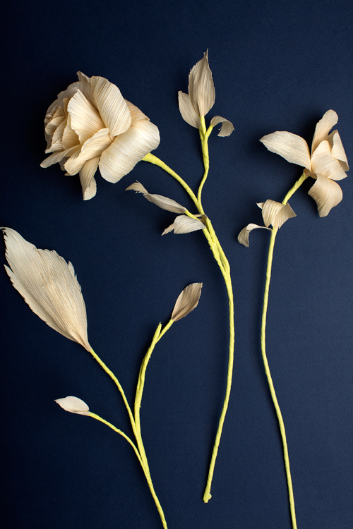 corn husk flowers rose