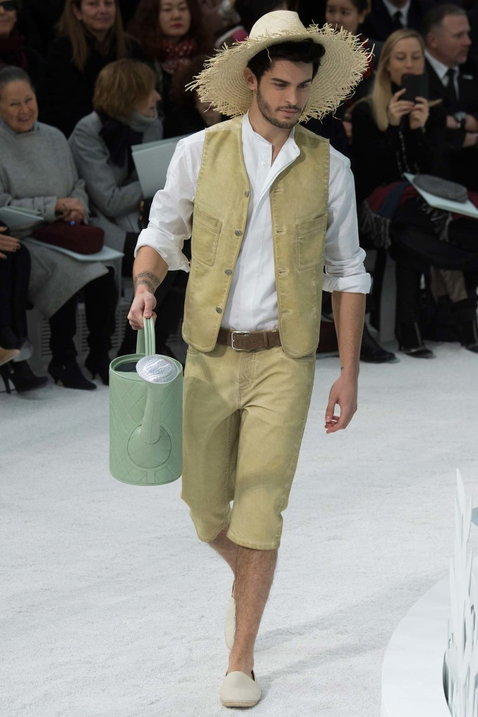 Chanel couture 2015 gardener