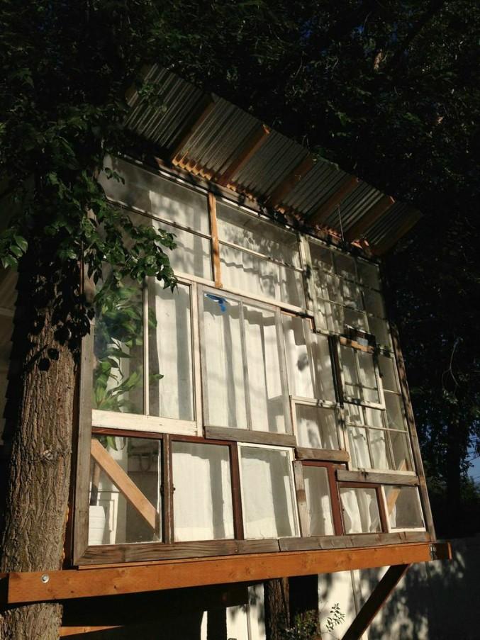 rad treehouse