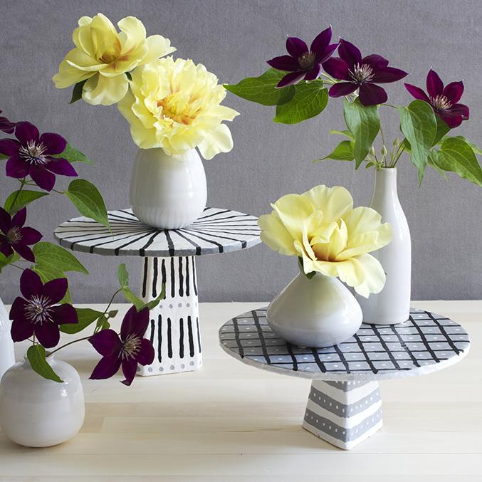 DIY Papier mache cake stand