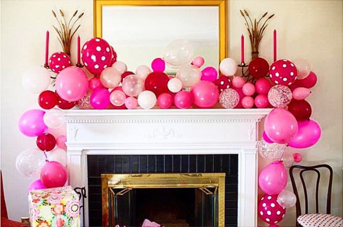 balloon garland on mantle