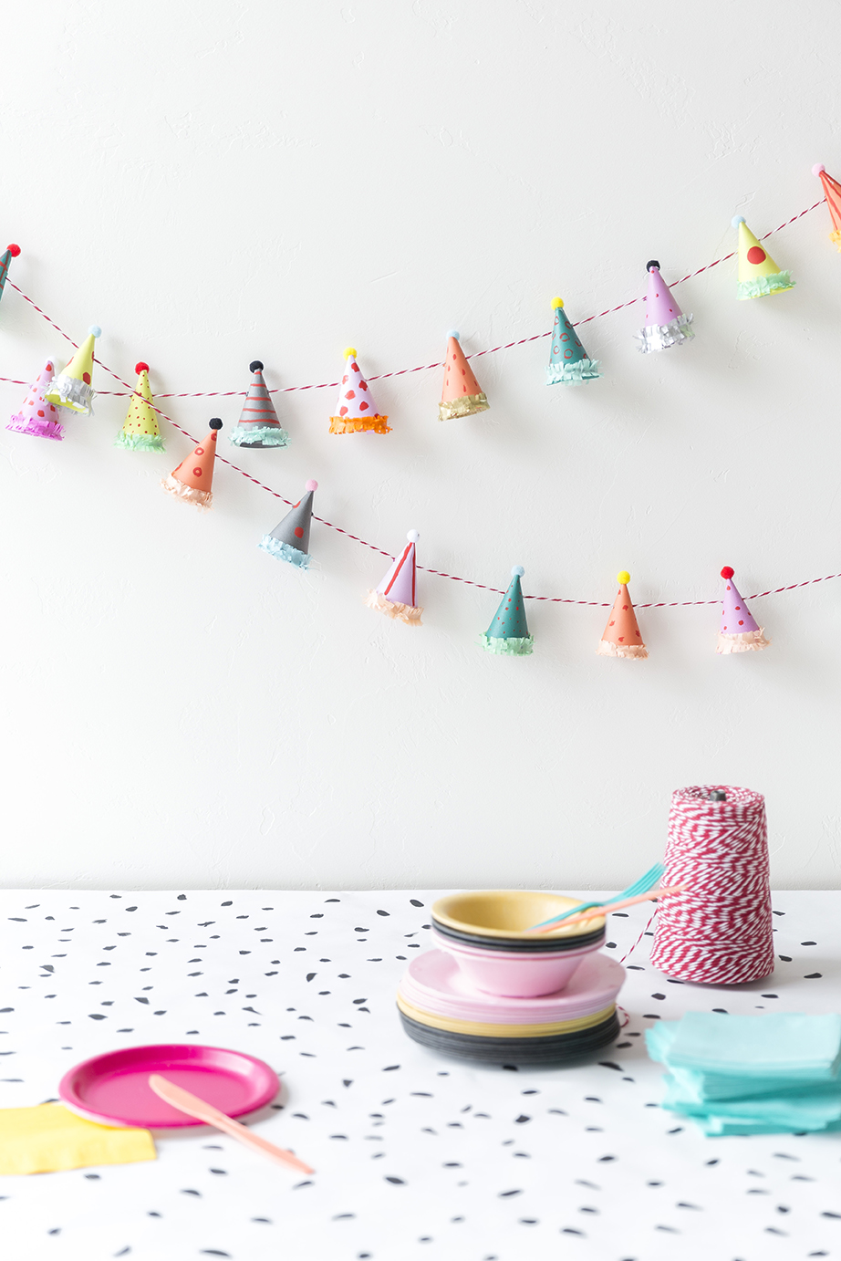 Party hat garland