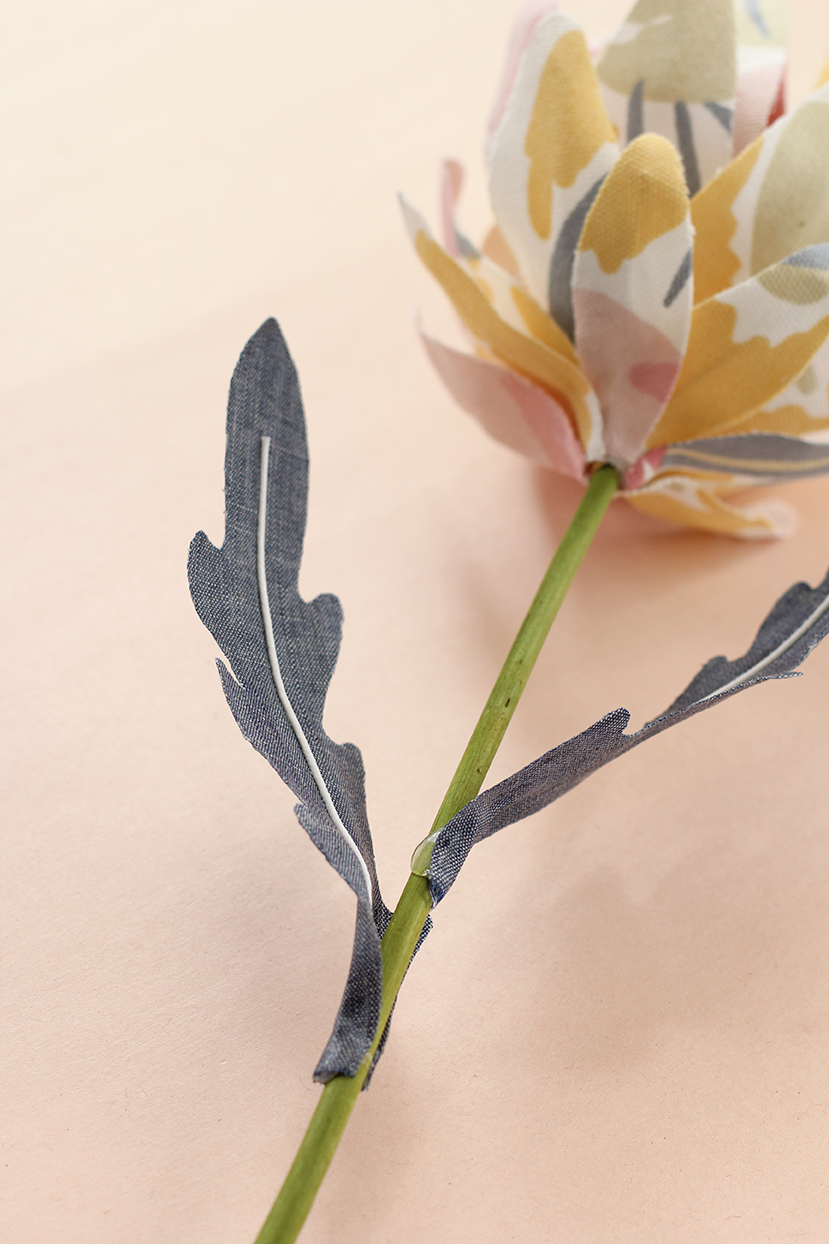 fabric-flowers-with-leaves