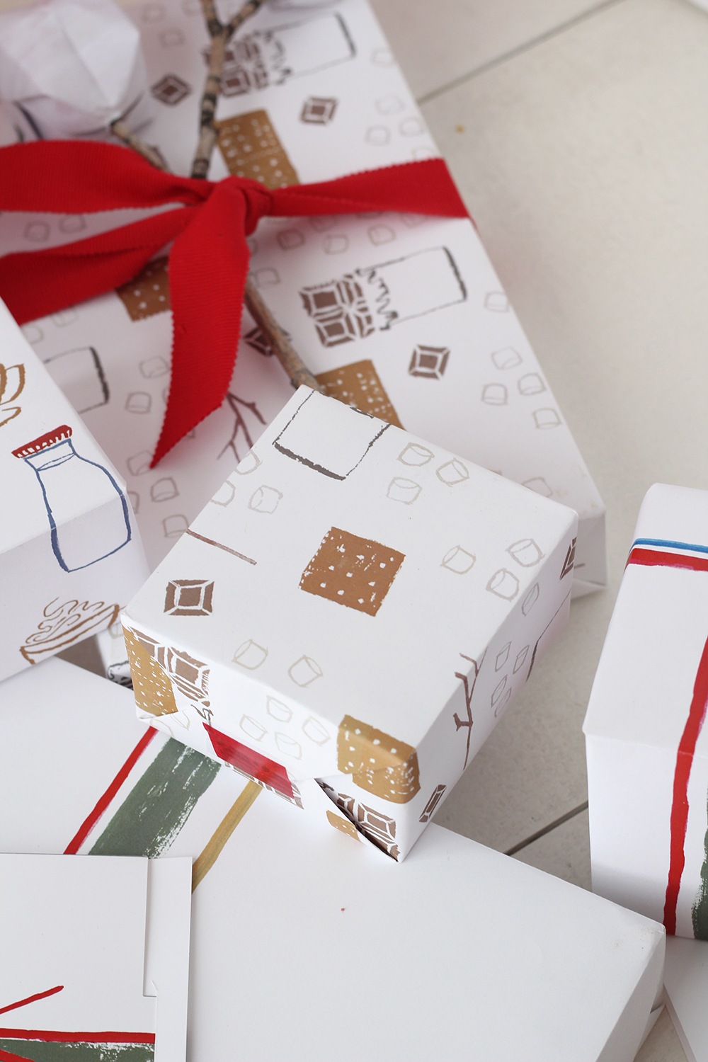 free-printable-wrapping-paper-for-christmas-10