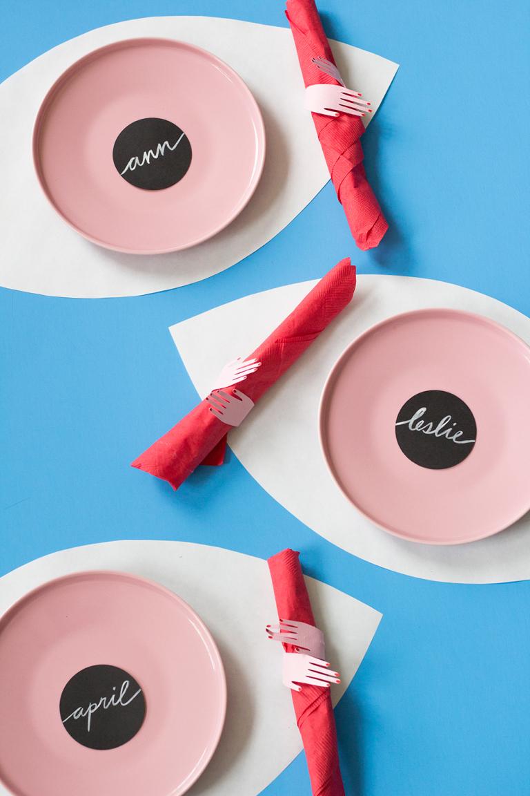 DIY Eyeball placemats & hand napkin rings