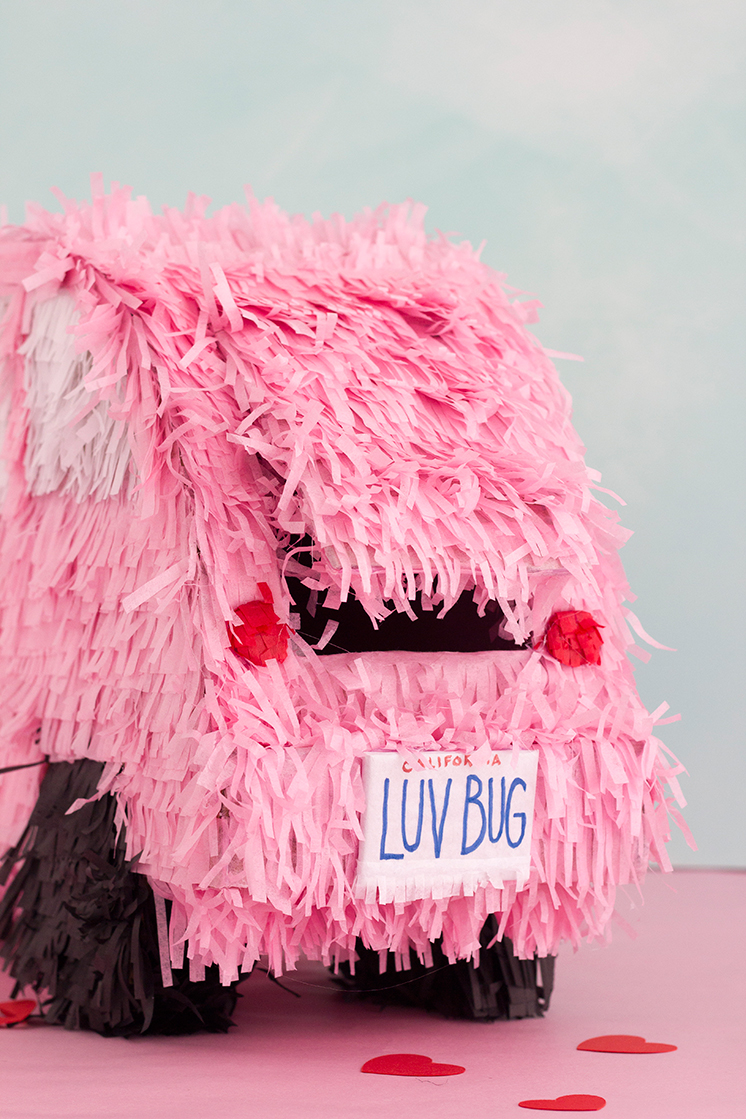 LOVE-BUG-VALENTINE'S-DAY-PINATA-BOX
