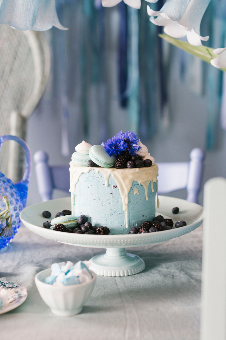 blue-cake-and-table-toppers-bridal-shower-bhldn-and-lars-9173