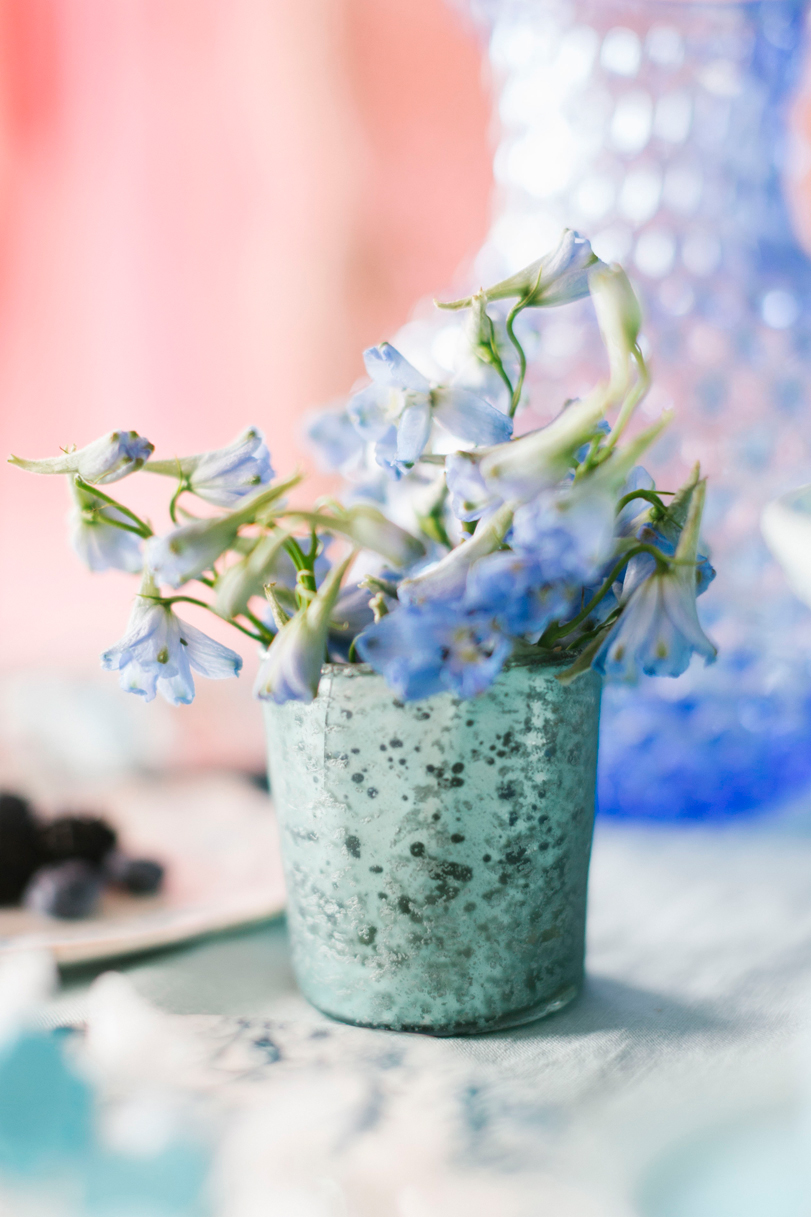 blue-flowers-in-vase-bridal-shower-bhldn-and-lars-9283