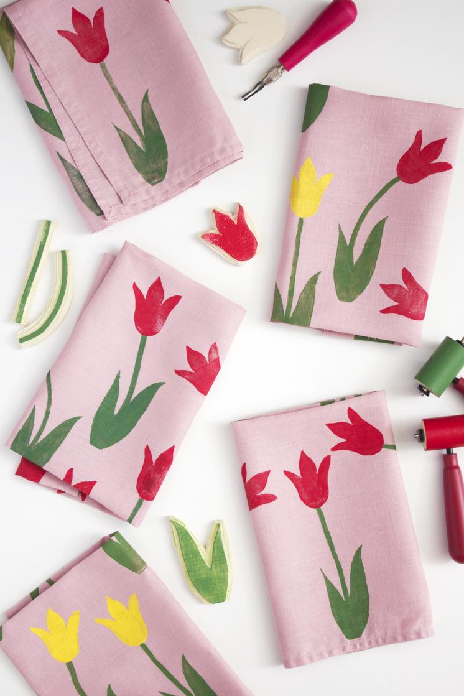 block_print_tulip_napkin_DIY_13