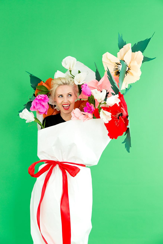 DIY paper bouquet of flower costumes