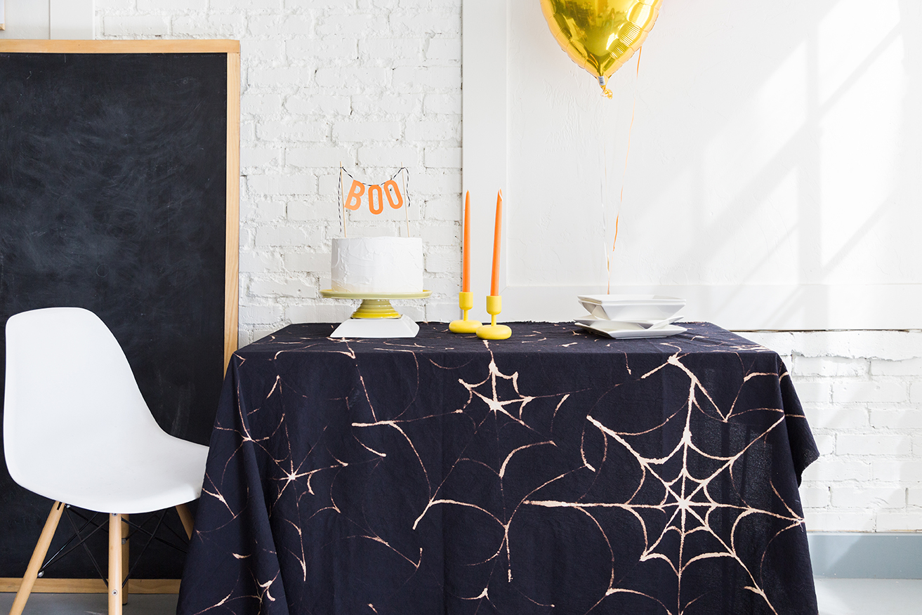 Spiderweb tablecloth DIY