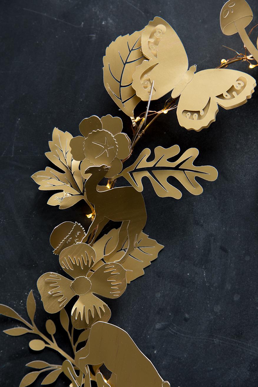 Dresden Ornament Paper Wreath