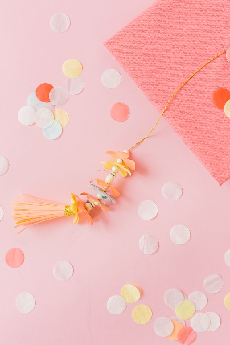 make a graduation cap flower tassel