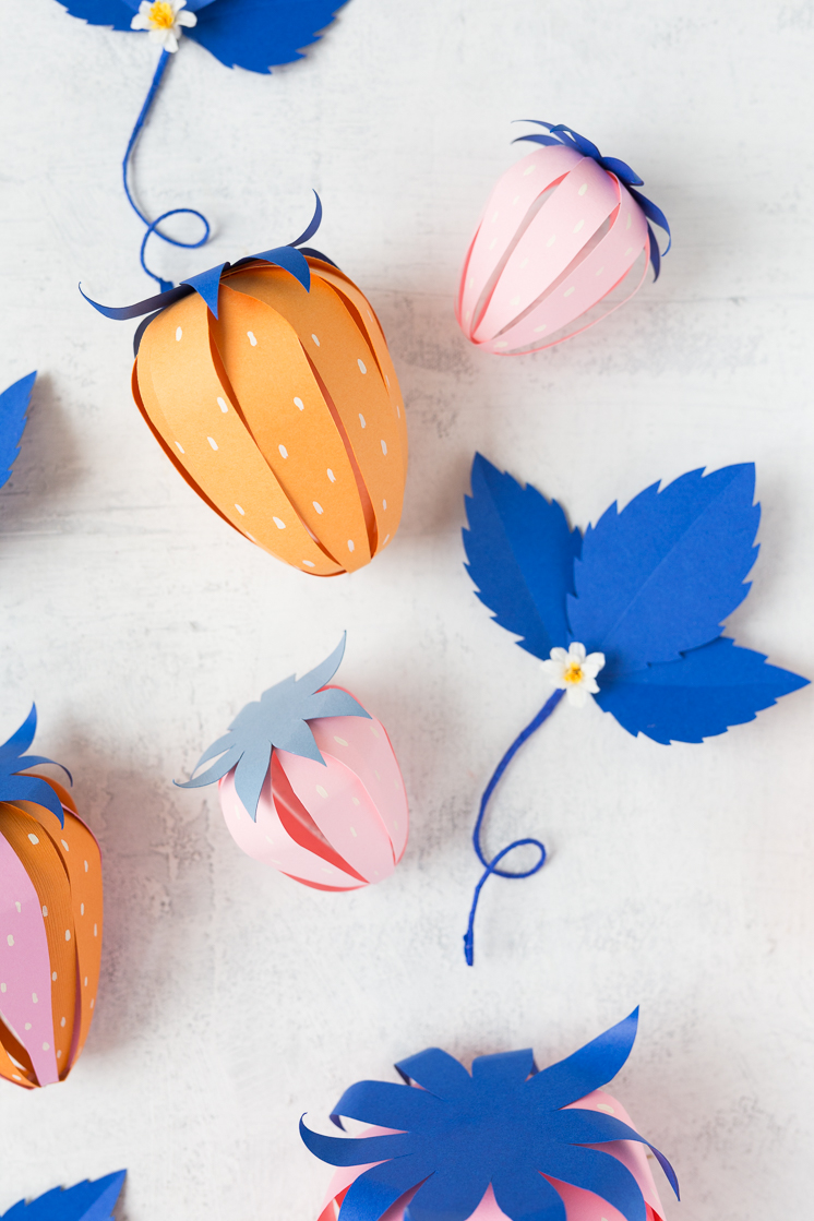 paper strawberry surprise ball-5