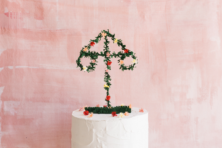 Midsummer Pole cake Topper