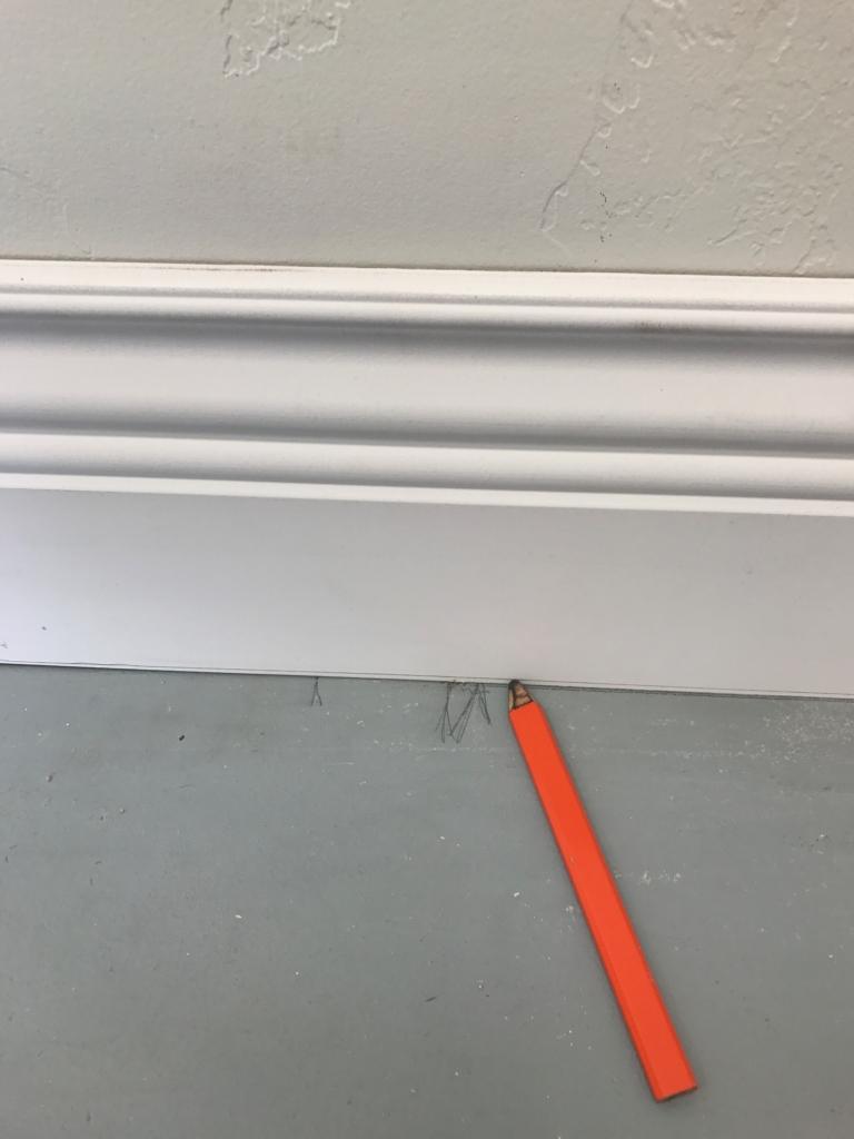 DIY Wall Moldings with Metrie