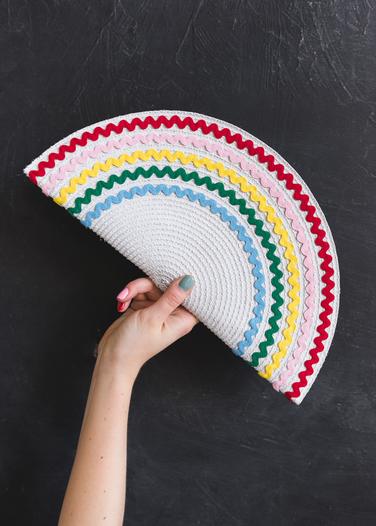 DIY rainbow ricrac placemat clutch