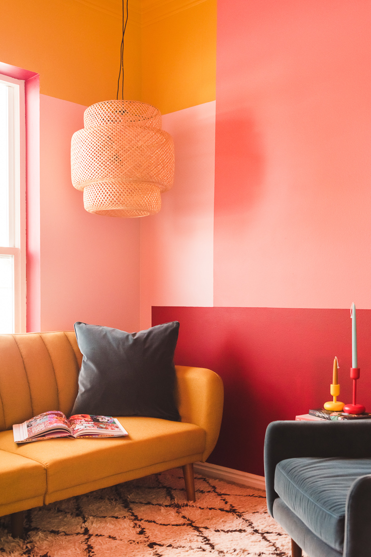 interior cerah renovasi rumah minimalis 2021