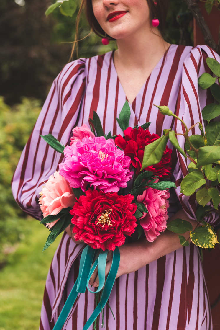 21adea6ba If you've been following along on Instastories, you've seen the updates  I've been giving about my garden peonies. They are blooming slowly and not  quite in ...
