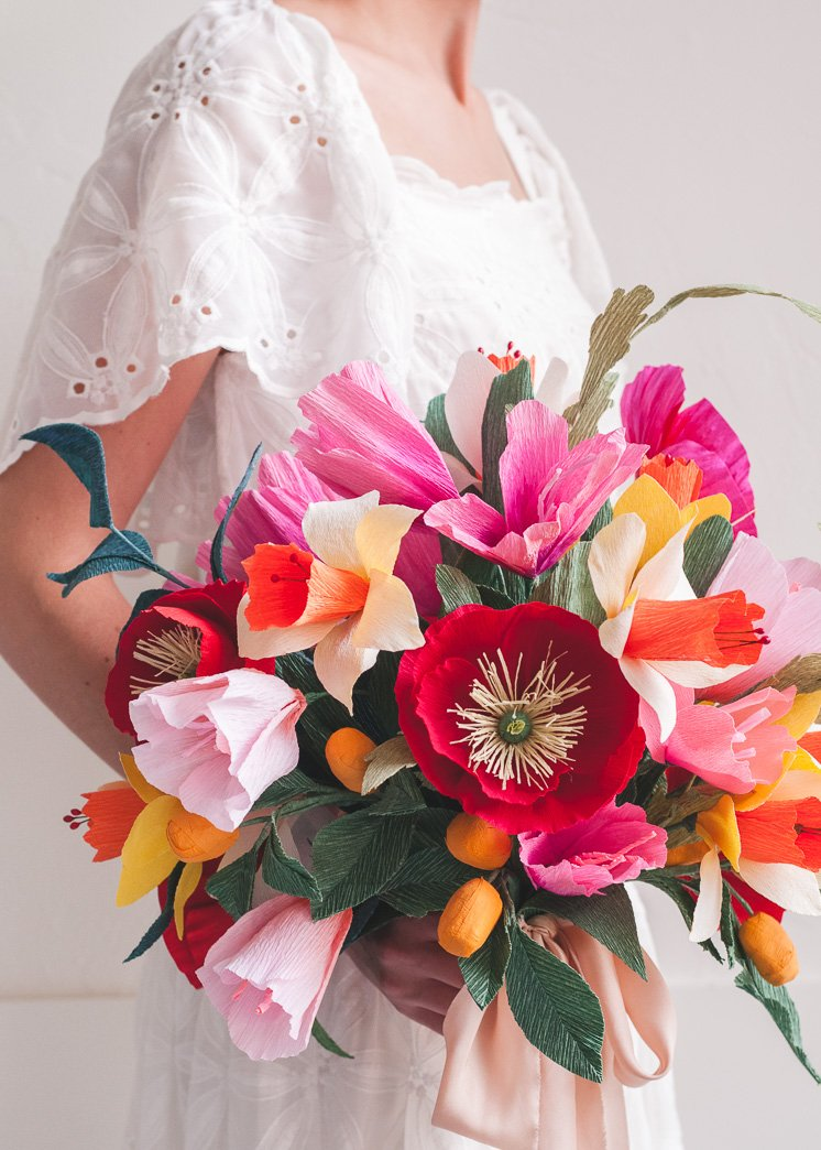 Color paper flower bouquet for weddings