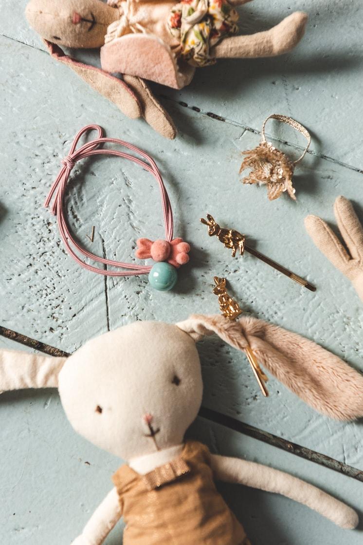 gold bunny hair clip