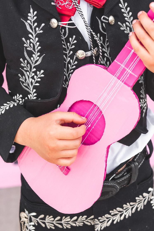 cardboard guitard