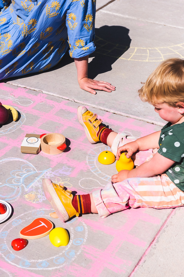 draw a picnic table with sidewalk chalk