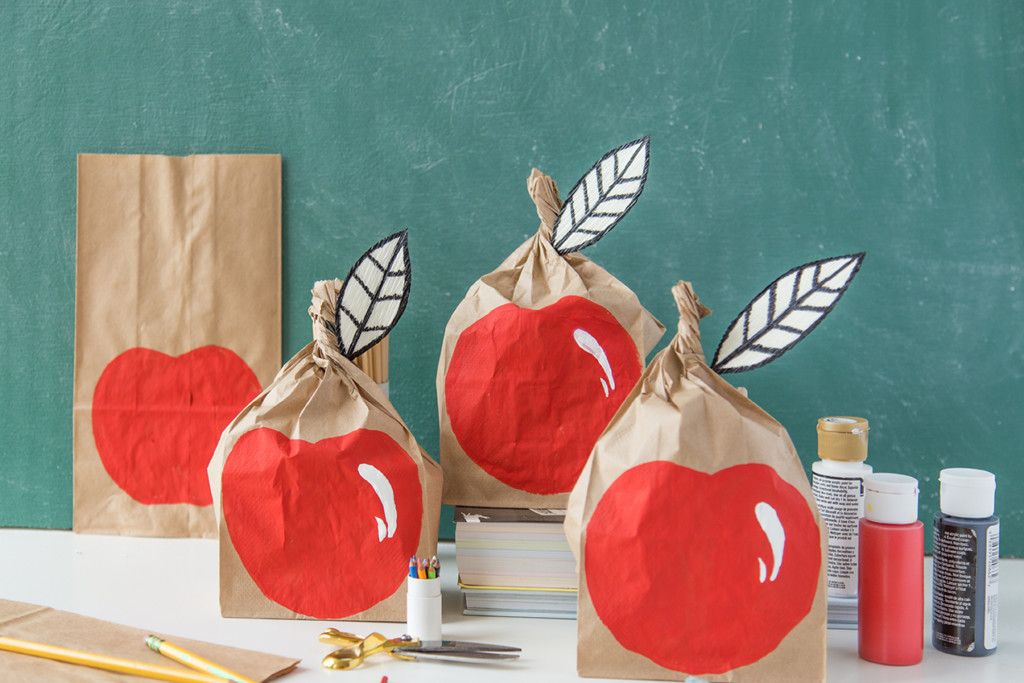DIY apple lunch sack for back to school
