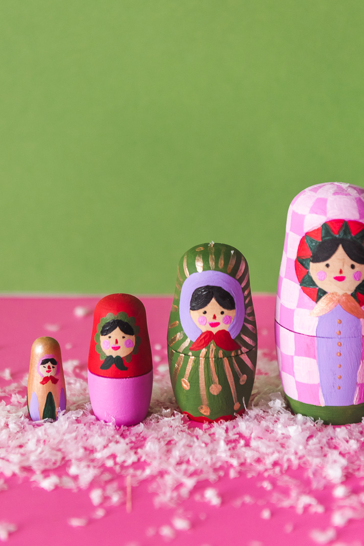 Make Your Own Holiday Nesting Dolls