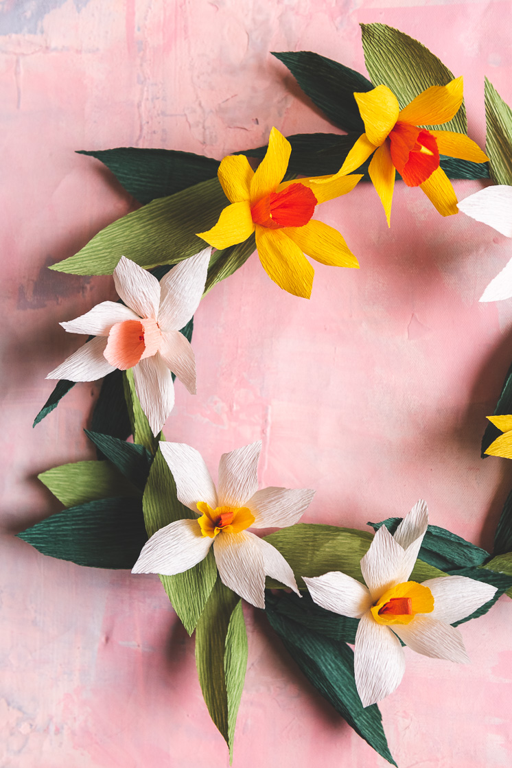 DIY Spring Wreath Made of Paper Daffodils