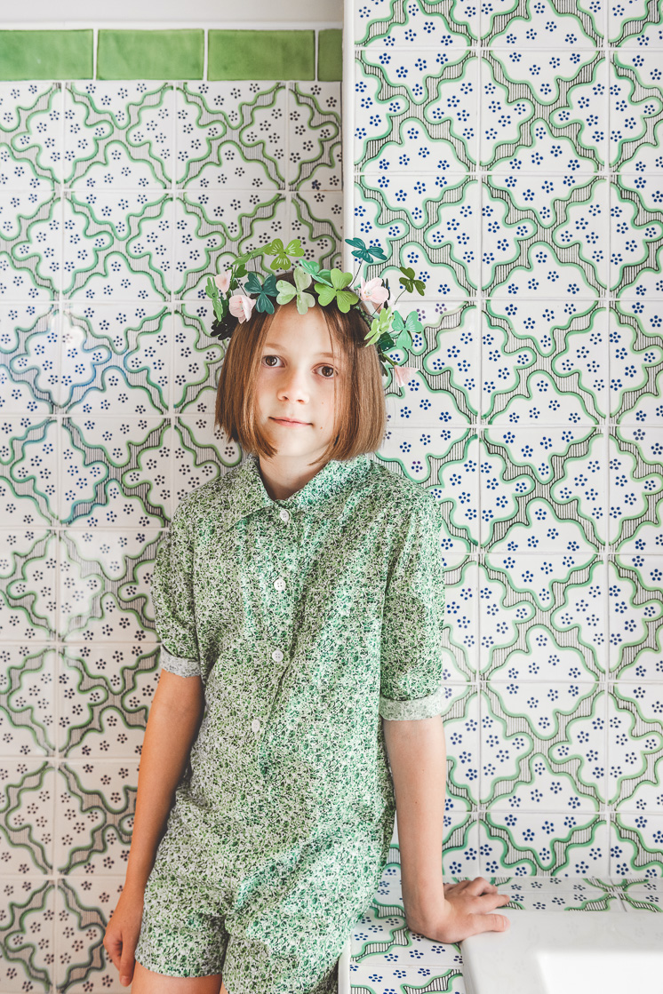 A St Patrick's Day Craft: Paper Shamrock Crown