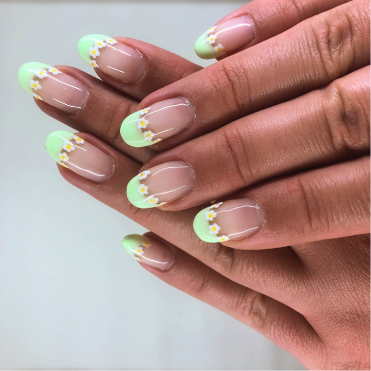 Hailey shows pastel green tips with daisies.