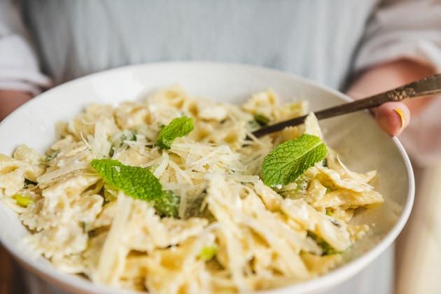 Closeup of a bowl of bowtie pasta.